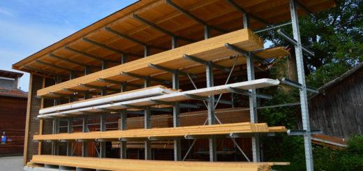 Kragarmregal doppelseitig mit Dach 520x245 - Kragarmregal mit Überdachung